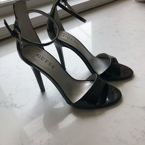 Guess high heel shoes size 7 black